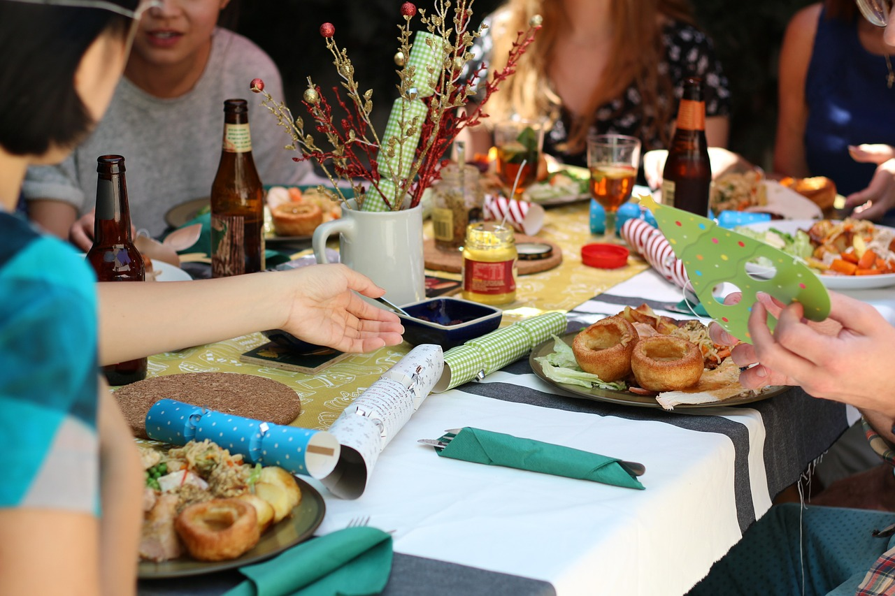 Food traditions and friends around the dinner table